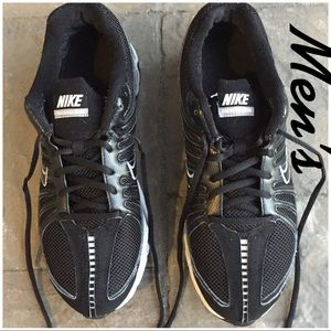 Nike Max Air Mens Size 11 Shoes. Good condition.